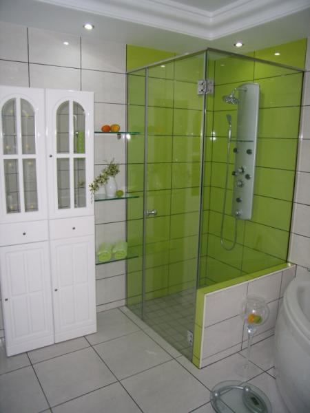 Dusche Glast?r Kalk : So macht Duschen spa?.Mit erg?nzenden Einlegeb?den au?en.Ulli